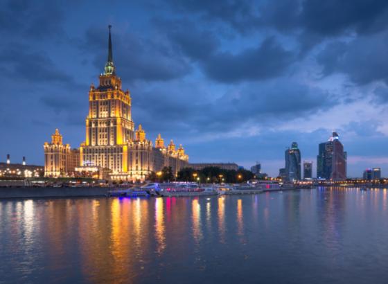 Рубль придавил валюты на