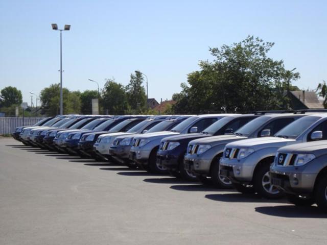 Миллион машин GM пылятся