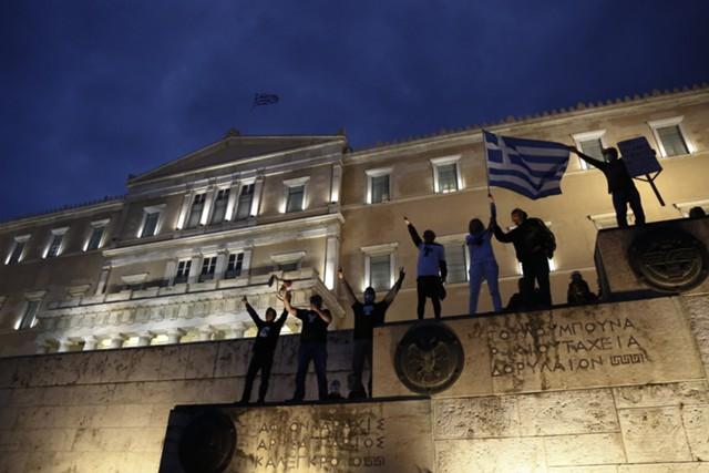 Греция вновь беспокоит