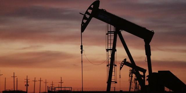 Прогноз: нефть поддержат
