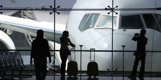 Авиакомпании разделят на