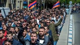 Премьер Армении ушел в