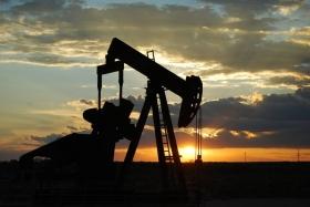 Прогноз: нефть сохраняет