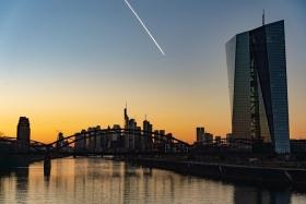 ЕЦБ получит контроль над