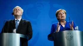 Джонсон заявил Меркель,