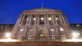 Банк Англии призывает